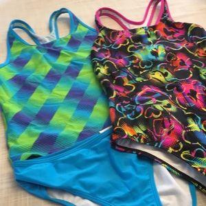 2 girls Speedo swimsuits